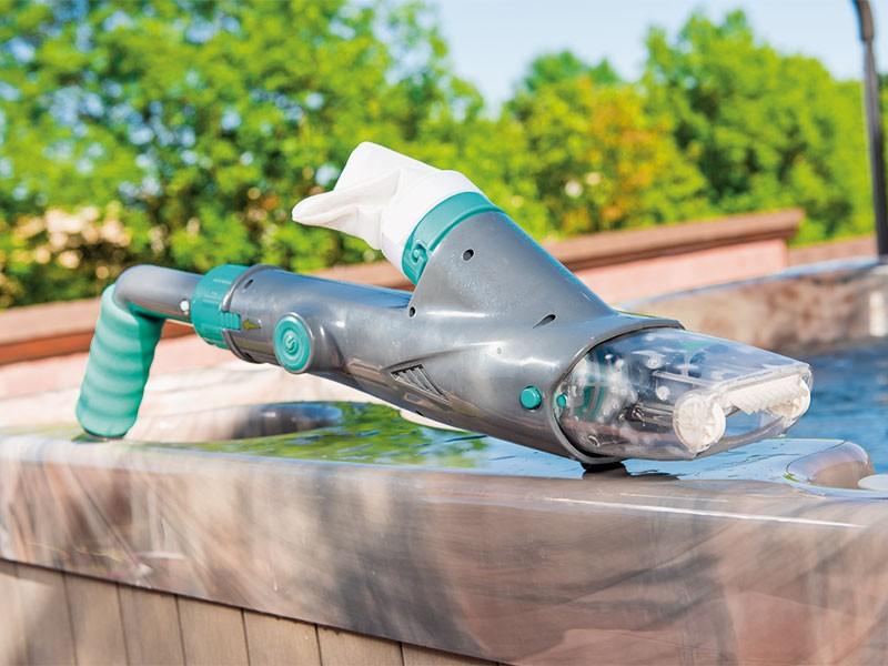 Rankinis bevielis baseininis nešvarumų siurblys Shark